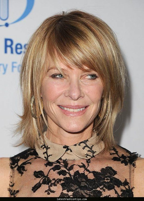 20-gorgeous-shoulder-length-haircuts-for-women-over-50
