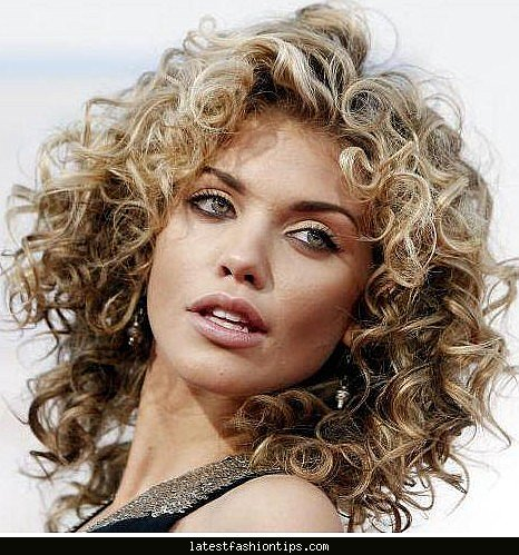 Swell Curly Hair Oval Face Latest Fashion Tips Short Hairstyles Gunalazisus