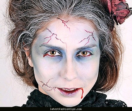 Face makeup for vampire - LatestFashionTips.com