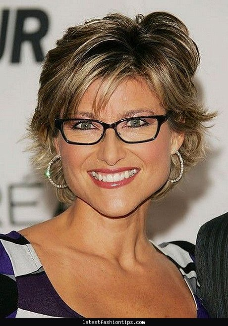 short-hair-styles-for-women-with-glasses
