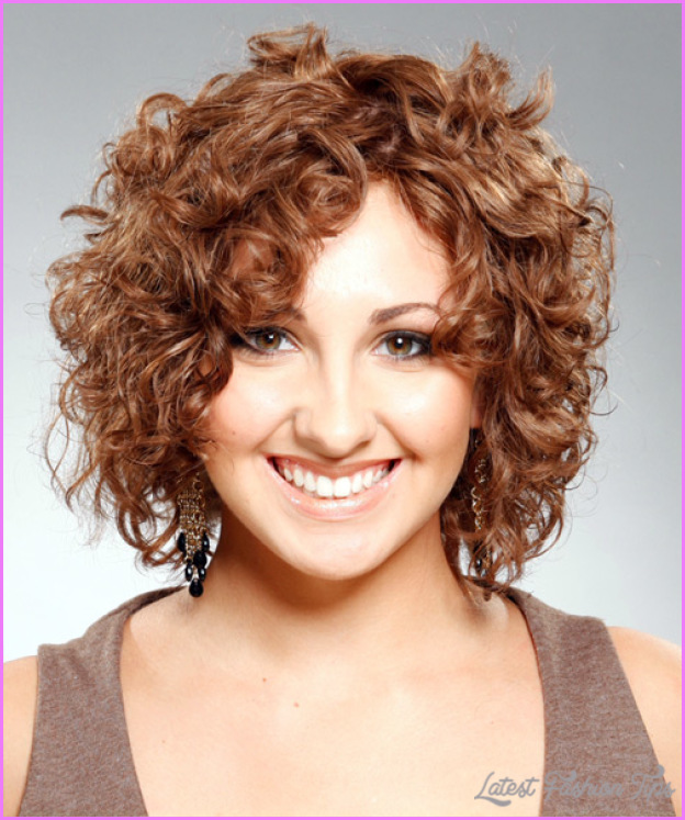 short curly hairstyles 5 Short haircuts naturally curly hair
