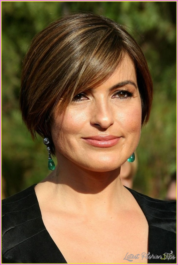 Mariska Hargitay With Short Hair _13.jpg
