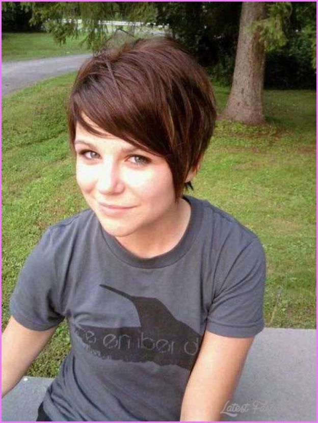 Short Haircuts For Women With Thick Hair_11.jpg