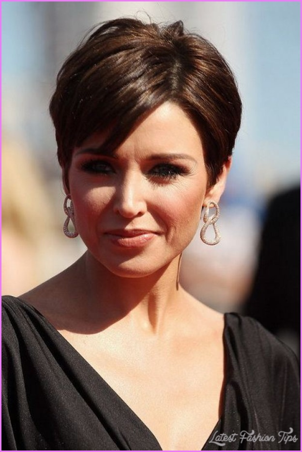 Short Haircuts For Women With Thick Hair_15.jpg