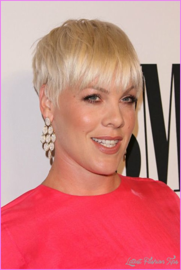 Short Haircuts For Women With Thick Hair_3.jpg