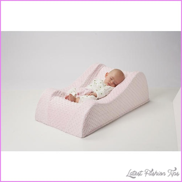 Propping Baby Up To Sleep_7.jpg
