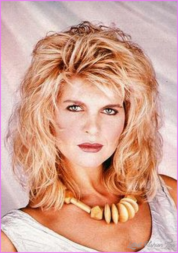 1980s Hairstyles for Women_10.jpg