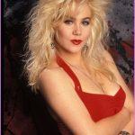 1980s Hairstyles for Women_2.jpg
