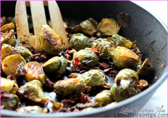 Bacon-sauteed brussels sprouts_0.jpg