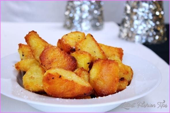 Crispy golden roast potatoes_8.jpg