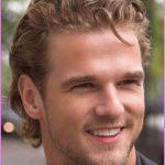 Hairstyles For Curly Hair Men_29.jpg