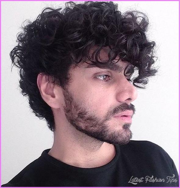 Hairstyles For Curly Hair Men_33.jpg