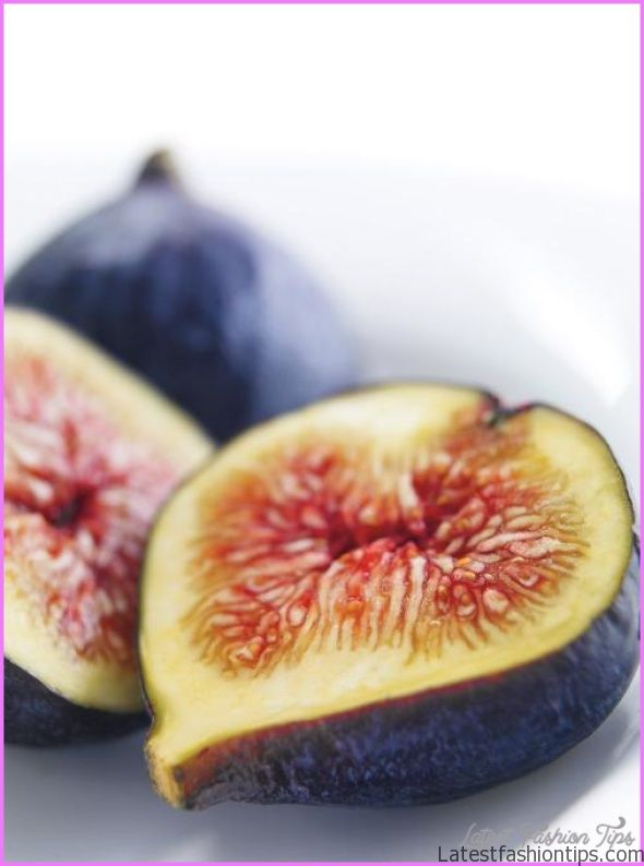 Honey-Caramelized Figs with Yogurt_1.jpg
