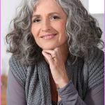 Long Hairstyles For Women Over 50 Years Old_15.jpg