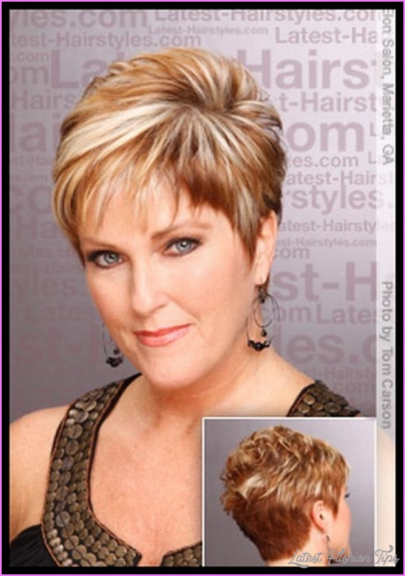 Long Hairstyles For Women Over 50 Years Old_22.jpg