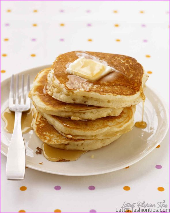 Quick and Easy Pancakes with Fruit_1.jpg