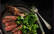 VENISON CUTLETS WITH RED WINE AND WATERCRESS SAUCE_3.jpg