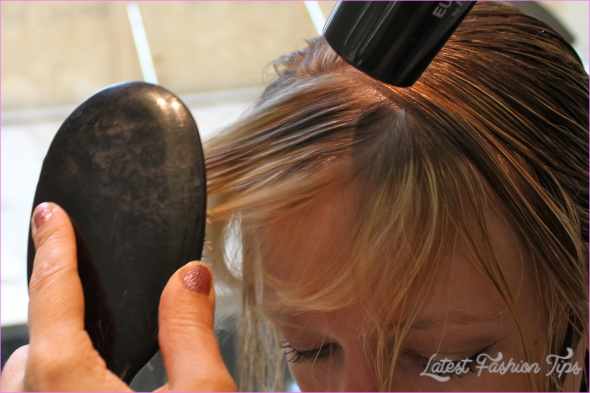 Blow-Dry Tips for Perfect Bangs_16.jpg
