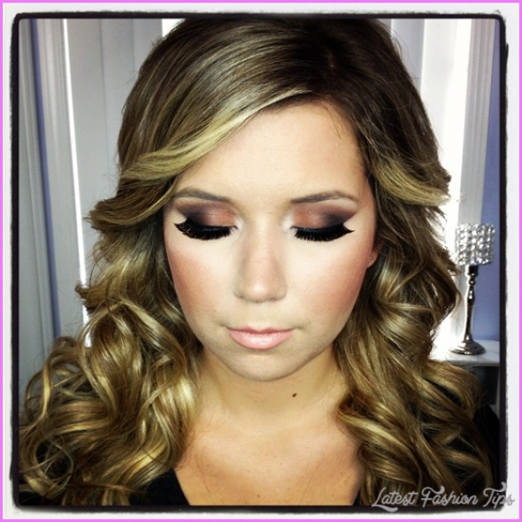 Prom Hair And Makeup Ideas_10.jpg