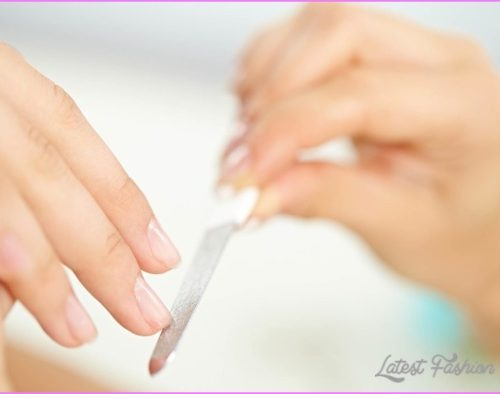 YOUR NAILS BREAKING_0.jpg