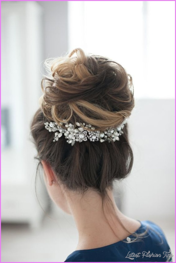 Gorgeous Updo Hair to Complement Your Look_13.jpg