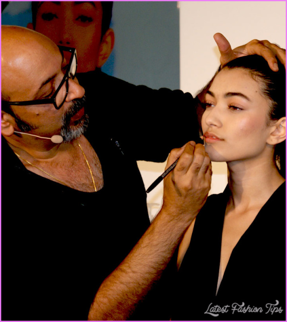2155_10-Best-Inspiring-Makeup-Tips-From-Mickey-Contractor.jpg