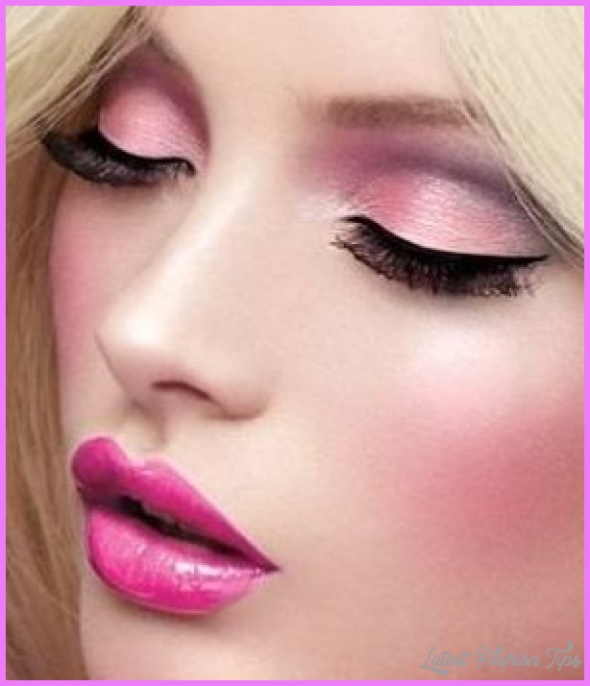 Make-Up-Techniques-To-Look-Beautiful.jpg?w=301