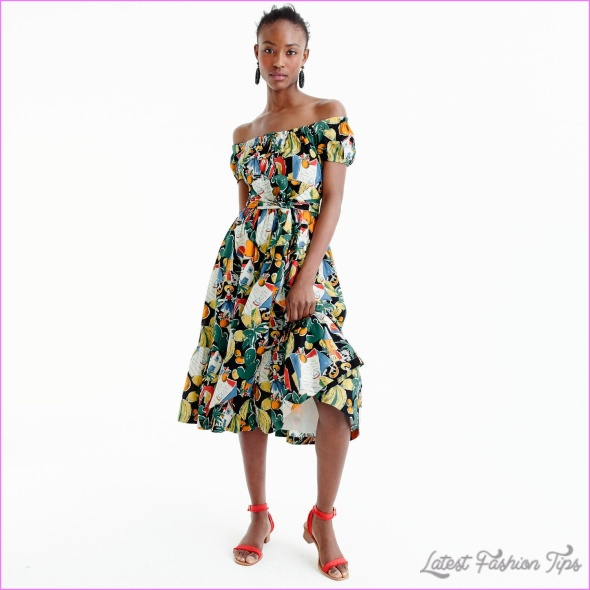 postcard-print-dress.jpeg?fit=max&w=1440