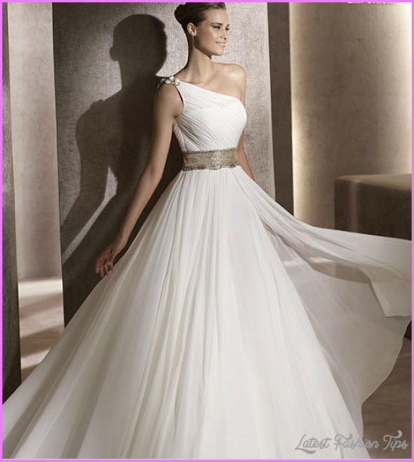 rectangle-shaped_best-wedding-dress-styles-for-the-rectangle-shaped-body-shape.jpg