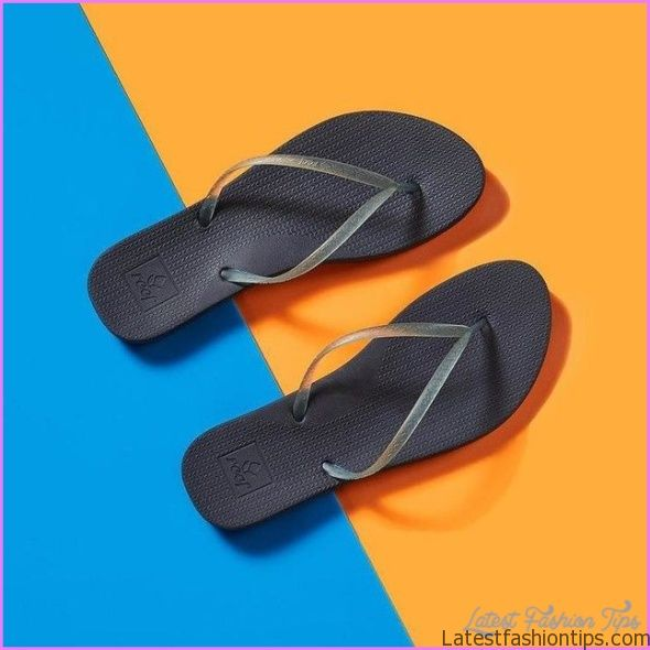 Reef Summer Season Green Finger Slipper Styles