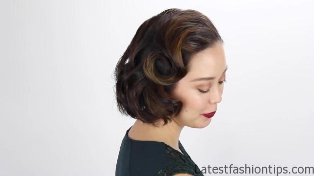 3-short-hair-holiday-hairstyles 04