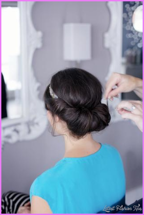 Christmas Morning Hairstyles Quick and Easy_12.jpg