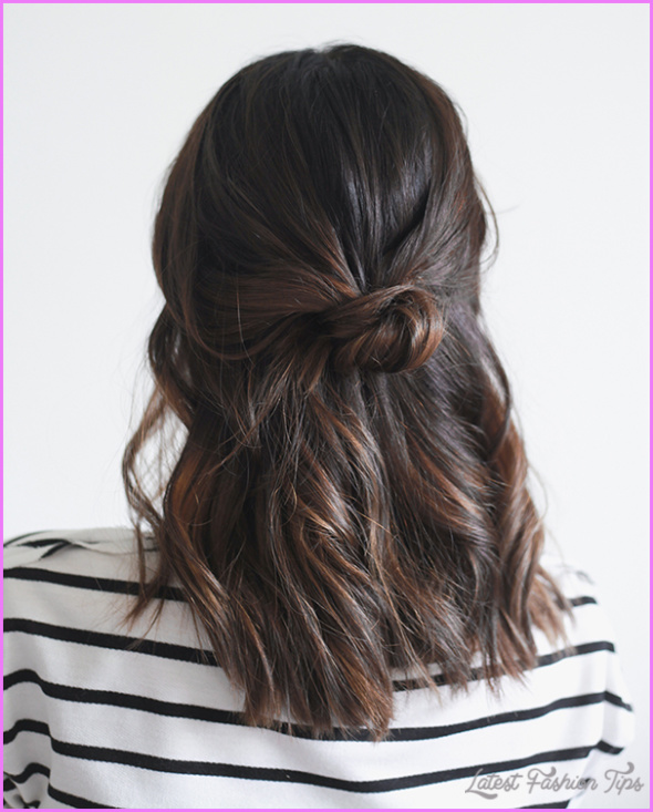 Christmas Morning Hairstyles Quick and Easy_8.jpg