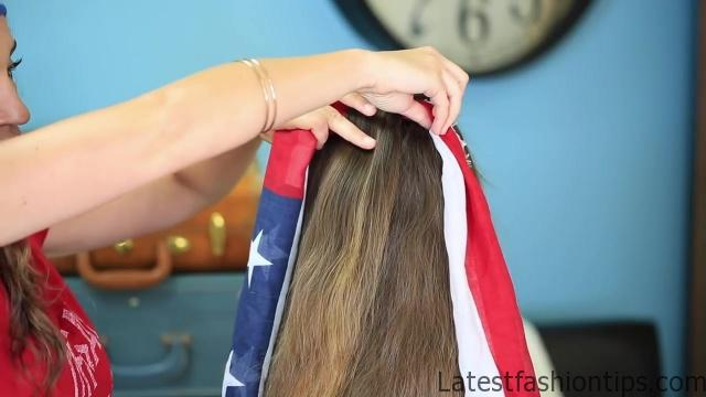 3-Minute Scarf Braid _ 4th of July Hairstyles_HD720 05