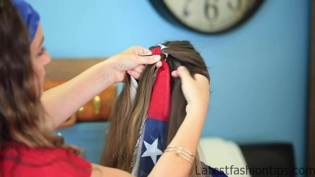 3-Minute Scarf Braid _ 4th of July Hairstyles_HD720 07
