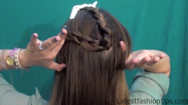 3 Pretty Updos for your Second Day_HD720 13