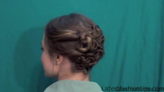 3 Pretty Updos for your Second Day_HD720 21