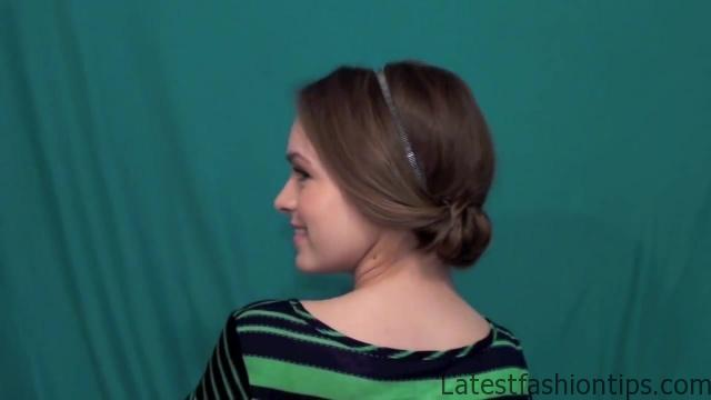 5 Minute Hairstyle You Can Wear Anywhere!_HD720 12