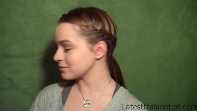 6 Cute Workout Hairstyles_HD720 02
