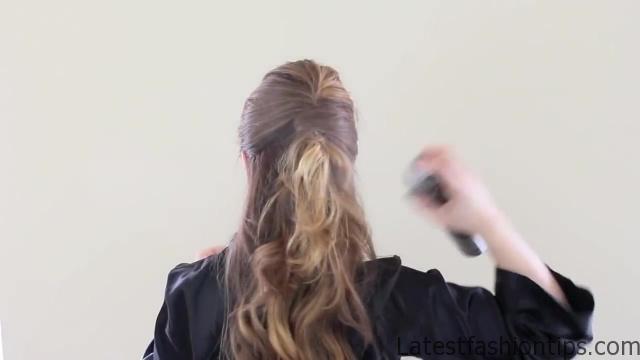 Amanda Seyfried's Oscars Hair Tutorial_HD720 07