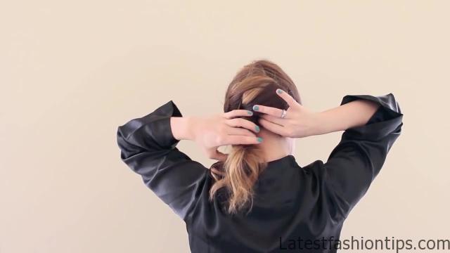 Amanda Seyfried's Oscars Hair Tutorial_HD720 10