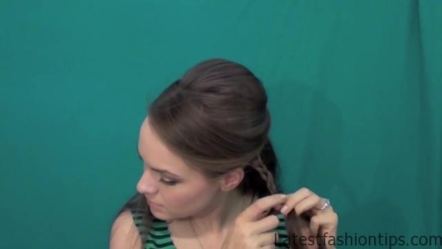 Beautiful Half Up Half Down Hairstyle_HD720 10