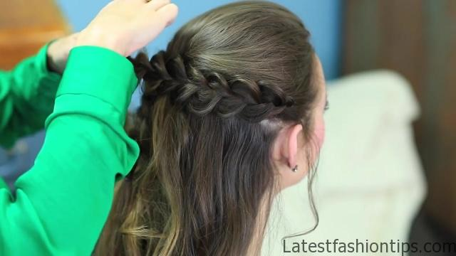 Braided Half Up _ Hairstyles for Prom_HD720 17