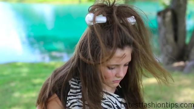 Cave Woman Half-up _ Halloween Hairstyles _ Cute Girls Hairstyles_HD720 03