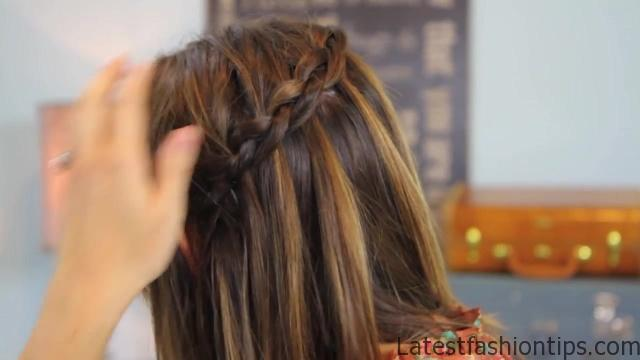 DIY Dutch Waterfall Braid _ Cute Girls Hairstyles_HD720 16