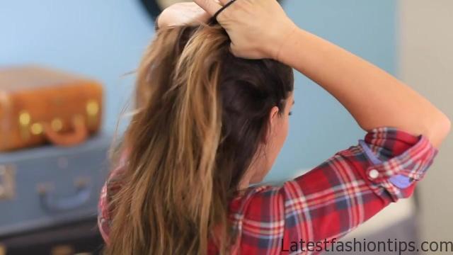 DIY French-Up High Bun _ Cute Hair Bun Ideas_HD720 05