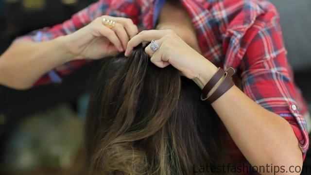 DIY French-Up High Bun _ Cute Hair Bun Ideas_HD720 08