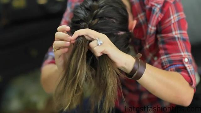 DIY French-Up High Bun _ Cute Hair Bun Ideas_HD720 09