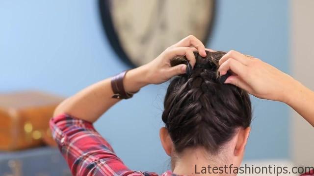 DIY French-Up High Bun _ Cute Hair Bun Ideas_HD720 17