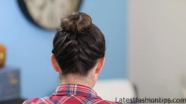 DIY French-Up High Bun _ Cute Hair Bun Ideas_HD720 19